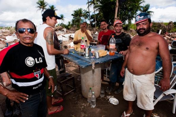 Cachaçeiros, Recife, Brasil, 2013. L-R (foreground): Jesús Ibáñez, Diego El Moro, Disko Baloba.